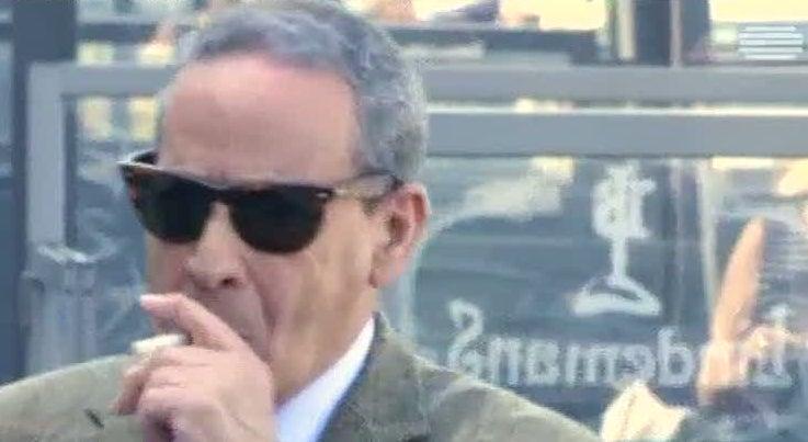 Economia - Tabaqueira proprietária da Lucky Strike vai comprar a Camel