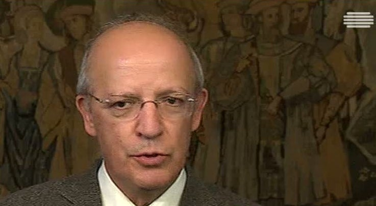 País - Augusto Santos Silva diz que Iraque decidiu retirar embaixador de Lisboa