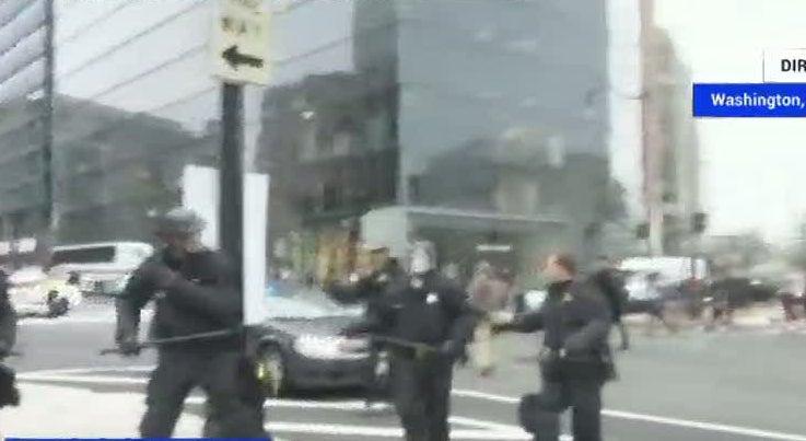 Mundo - Vídeo: Confrontos em Washington