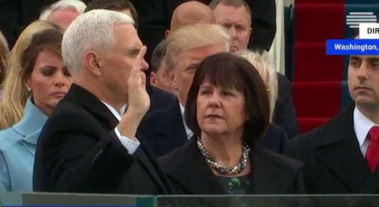 Mundo - Mike Pence prestou juramento como vice-Presidente dos EUA