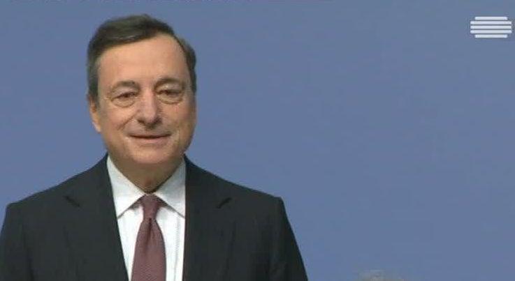 Economia - Mario Draghi cauteloso com subida da inflação em dezembro