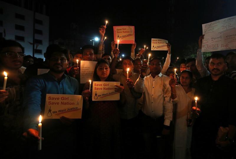 Pena de morte para violadores de crianças menores de 12 anos — Índia