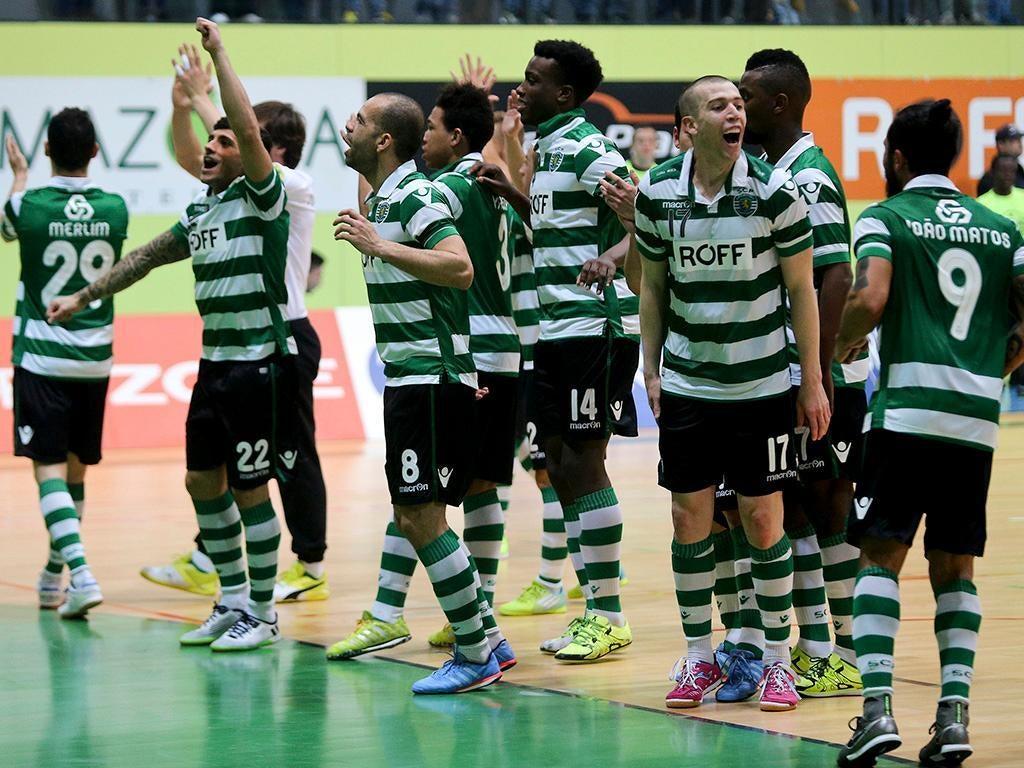 Magia de Ricardinho derrota o Sporting — Vídeo