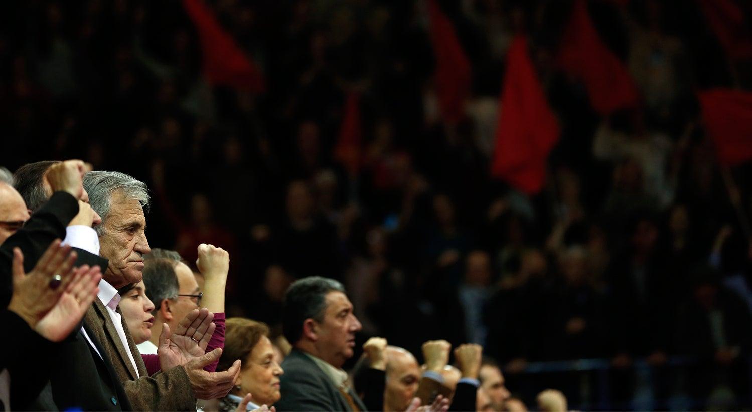 Política - Jerónimo critica Governo pela atual situação na Caixa