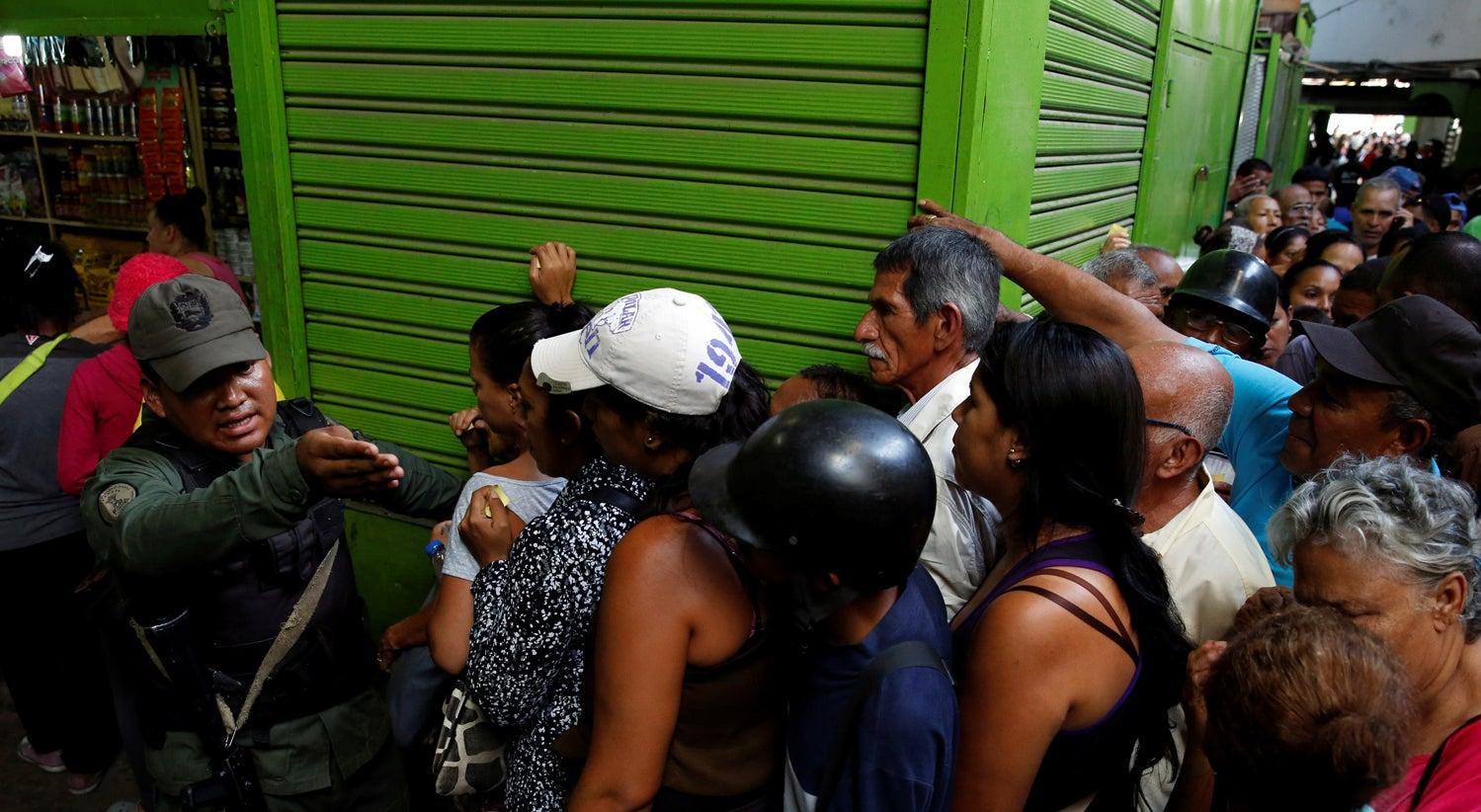 Relat�rio destapa a crise alimentar e de medicamentos na Venezuela
