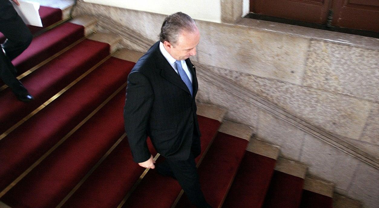 Santana fora da corrida a Lisboa é bálsamo para a candidatura de Cristas
