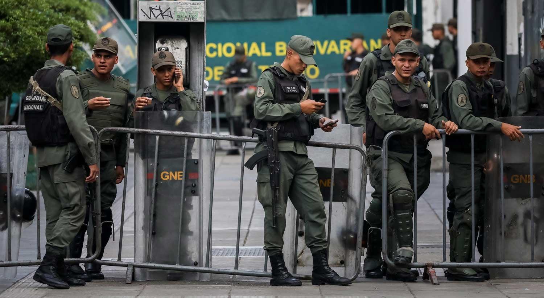 Caracas diz que travou revolta militar contra o regime