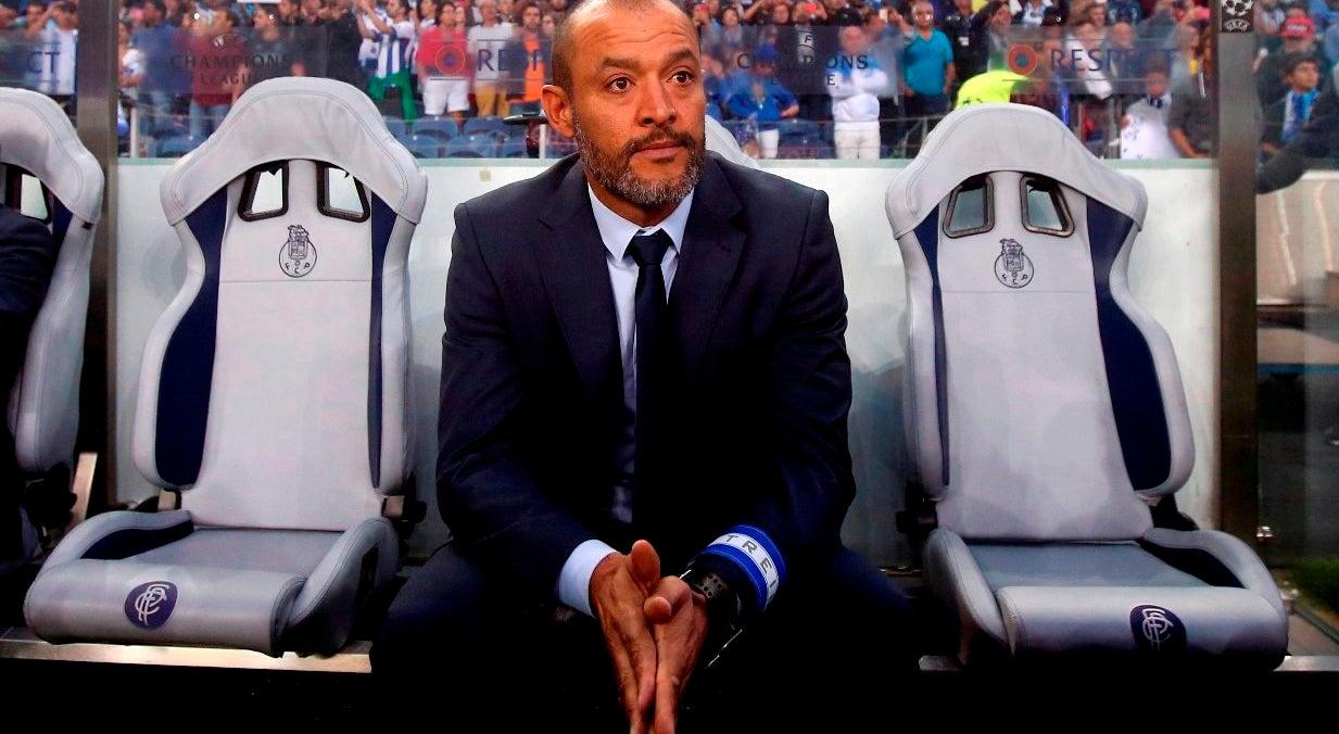 Treinador do FC Porto não vê necessidade de dar murros na mesa