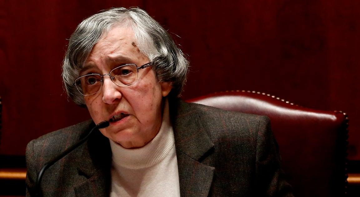 Teodora Cardoso admite que vai ser preciso reestruturar a dívida