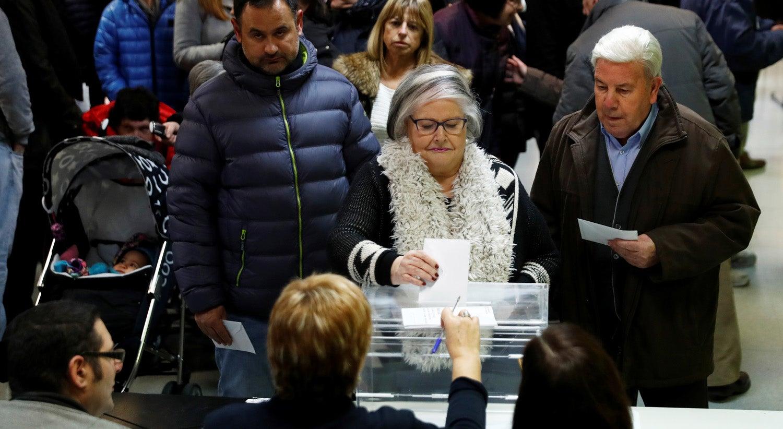 Ciudadanos e bloco independentista vencem eleições na Catalunha