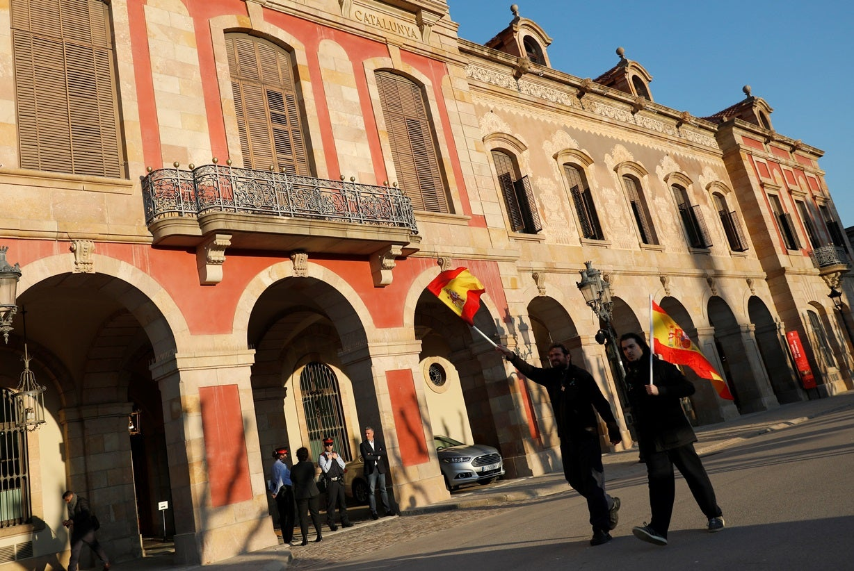 Rajoy exige ao Parlamento catalão que impeça investidura de Puigdemont