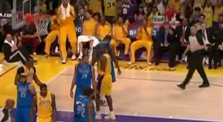 Desporto - Kobe Bryant vai deixar o basquetebol no final da temporada