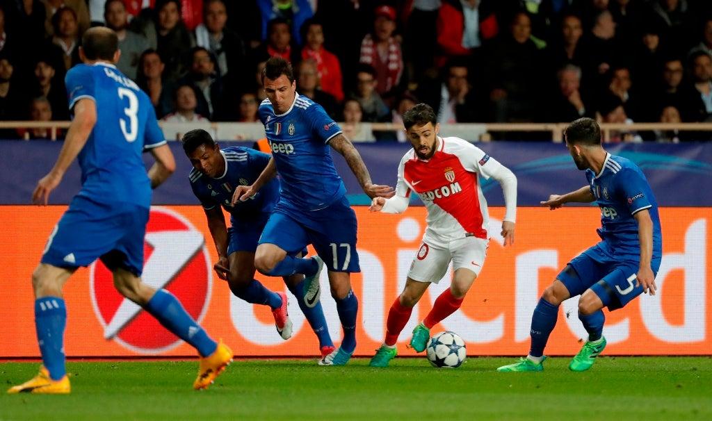 Bernardo Silva em Manchester para assinar pelo City, escreve o Mirror