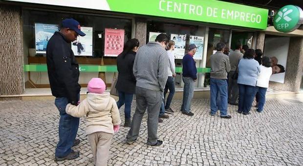 Número de desempregados em Portugal aproxima-se do milhão