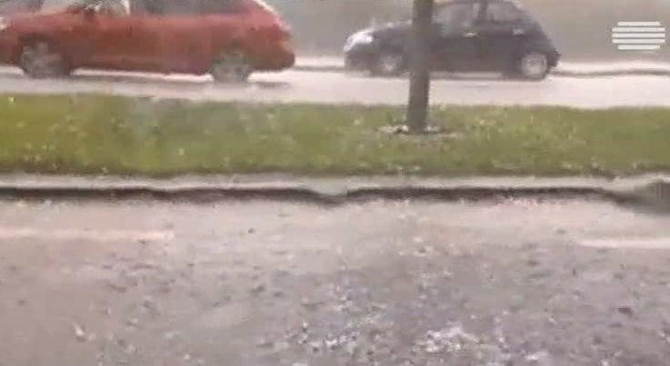 Pa�s - Mau tempo no Alentejo provocou inunda��es e queda de �rvores