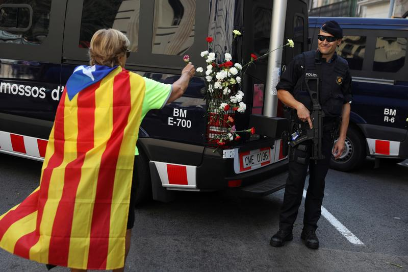 Referendo. Presidente da Generalitat abre caminho a declaração unilateral de independência