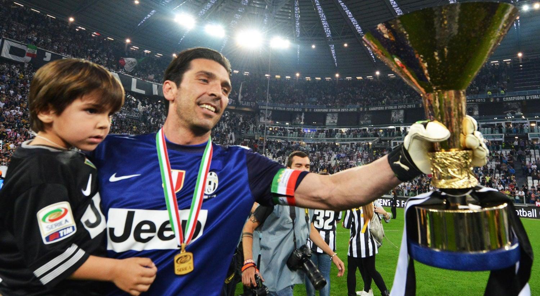 Após 17 anos, Buffon anuncia que deixará a Juventus