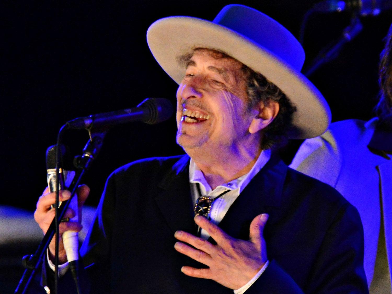 Dois meses depois, Bob Dylan agradece o Prêmio Nobel