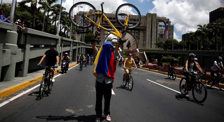 Maduro denunciará ao Papa uso de crianças em atos violentos na Venezuela
