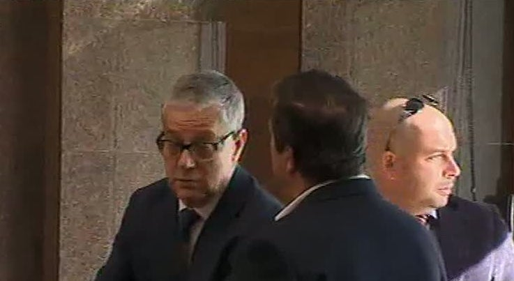 Pa�s - Manuel Godinho condenado a dois anos e meio com pena de pris�o efetiva