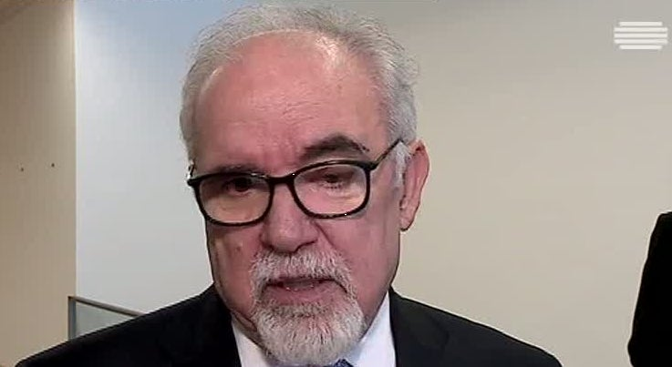 País - Vieira da Silva reconhece que é preciso reequilibrar as relações contratuais em Portugal