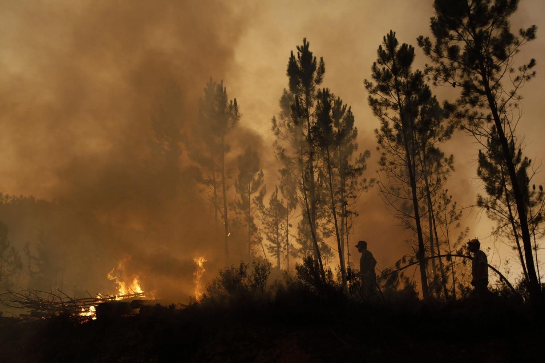 Marinha envia 100 militares para ajudar no combate aos fogos