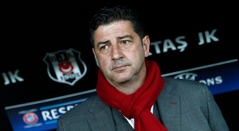Benfica procura aproveitar deslize do FC Porto frente ao Moreirense