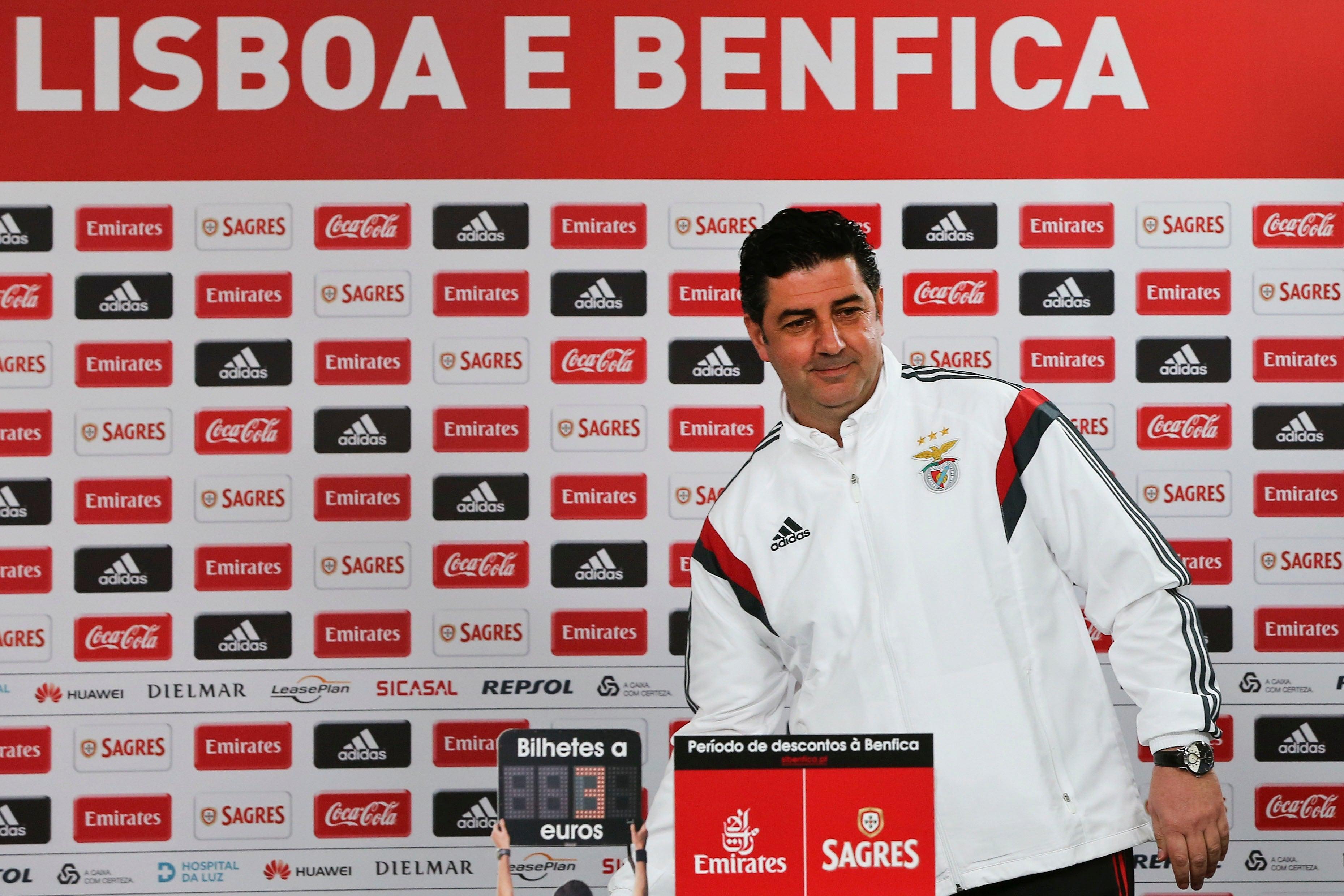 Rui Vitória mantém-se no Benfica pelo menos até 2021