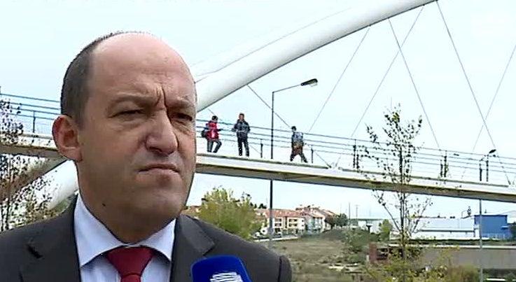 Pa�s - Argelino que fugiu no aeroporto aproveitou desaten��o do SEF