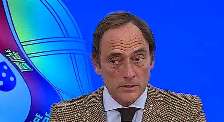 Pol�tica - Paulo Portas preocupado com consequ�ncias de governo socialista