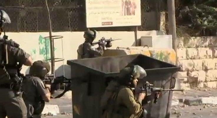 Agrava-se a tens�o entre israelitas e palestinianos