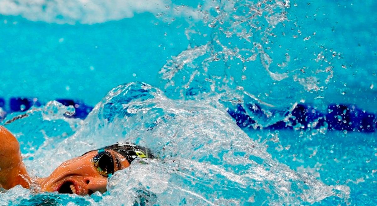 Rita Frischknecht estabelece novo recorde absoluto em 200 metros costas