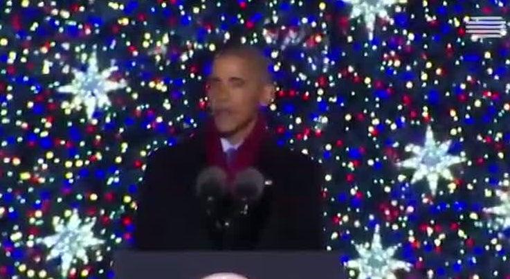 Mundo - Obama cumpriu a tradição de ligar as luzes de Natal