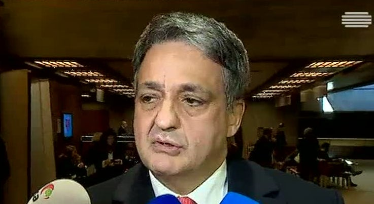 Economia - Paulo Macedo vai seguir plano de recapitalização da CGD