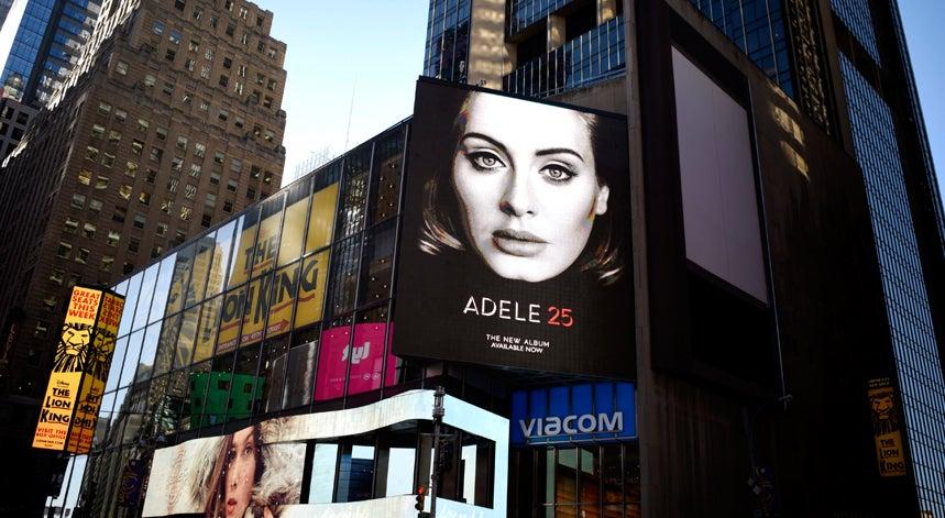 Cultura - Adele vai atuar pela primeira vez em Portugal em maio
