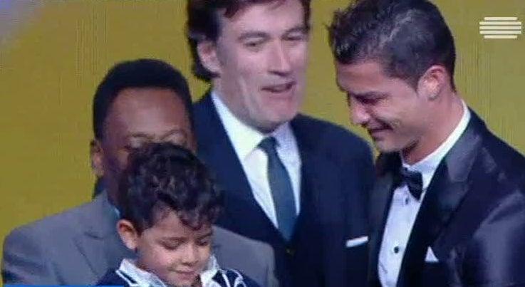 Futebol Internacional - Cristiano Ronaldo, Pepe e Rui Patr�cio nomeados para a 'Bola de Ouro'