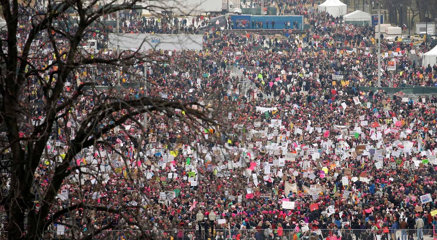 EUA: centenas de milhares manifestam-se contra Trump