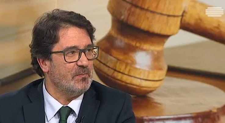 País - Guilherme Figueiredo derrotou Elina Fraga nas eleições para a Ordem dos Advogados