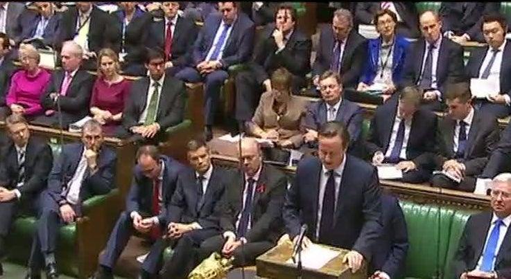Mundo - David Cameron tenta convencer o parlamento a aprovar interven��o militar de combate ao ISIS