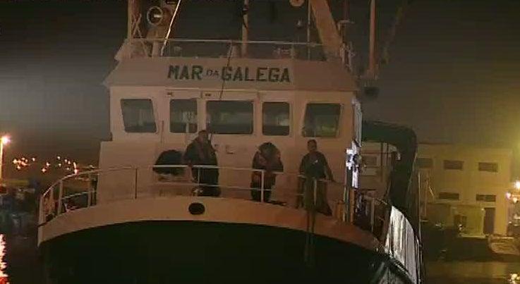 Pa�s - Foi extinto inc�ndio que deflagrou a bordo de embarca��o ao largo da Nazar�