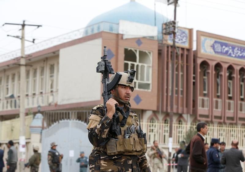 Suicida mata pelo menos 28 em mesquita xiita no Afeganistão
