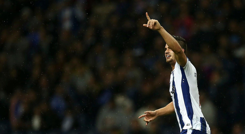 Bis de Andr� Silva na vit�ria do FC Porto sobre o Arouca