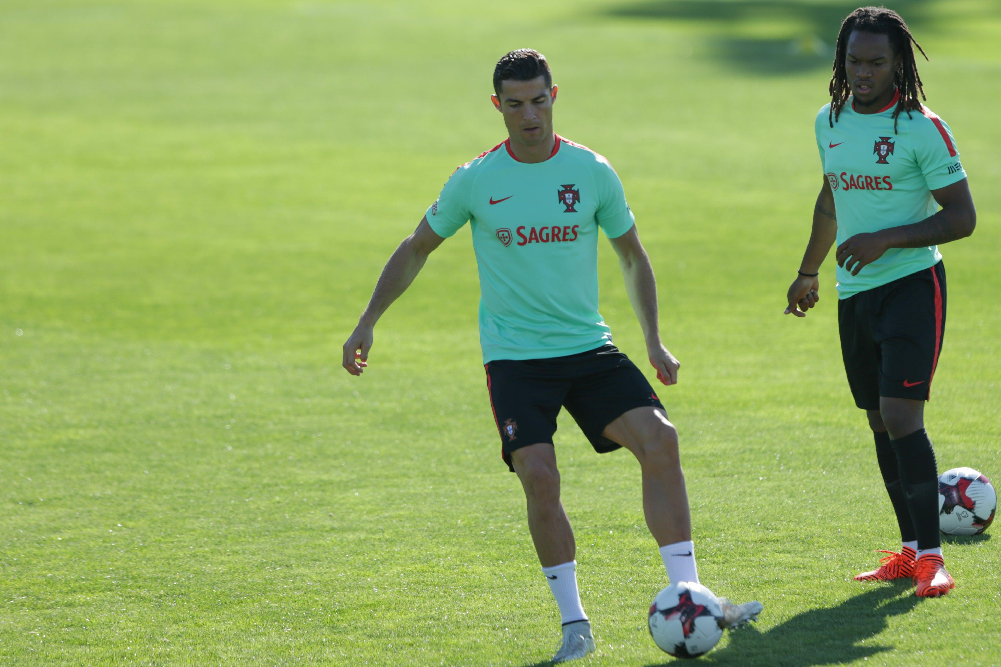 Portugal vence Andorra e decide qualificação para o Mundial frente à Suíça