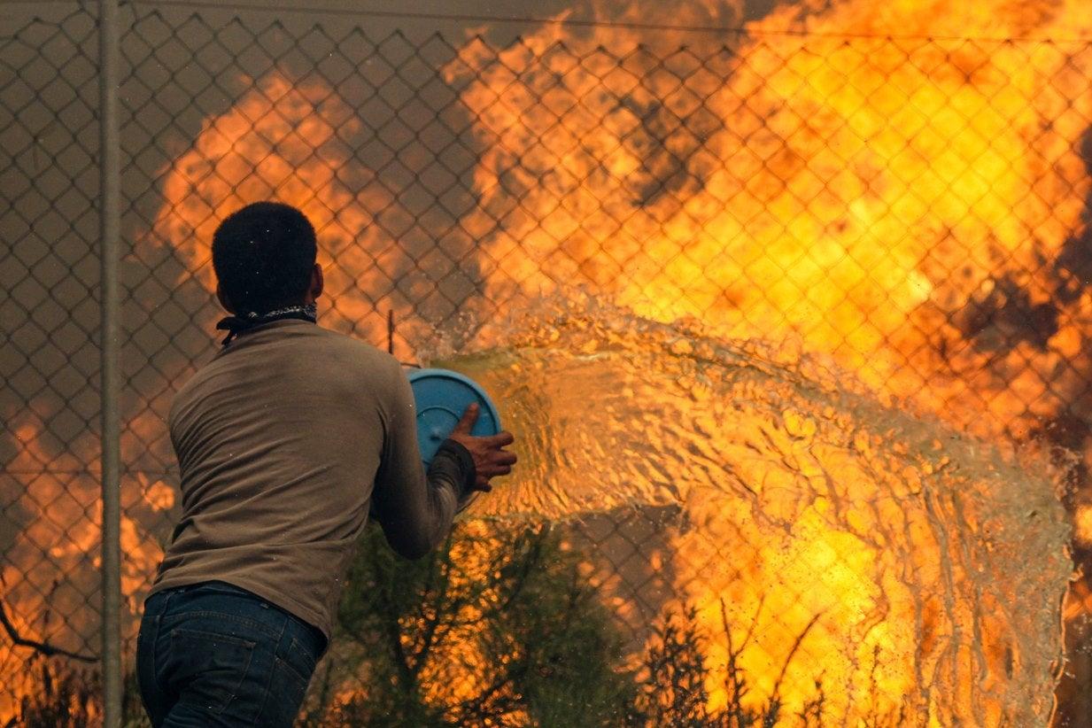 Mais de 900 bombeiros combatem incêndios em Castelo Branco