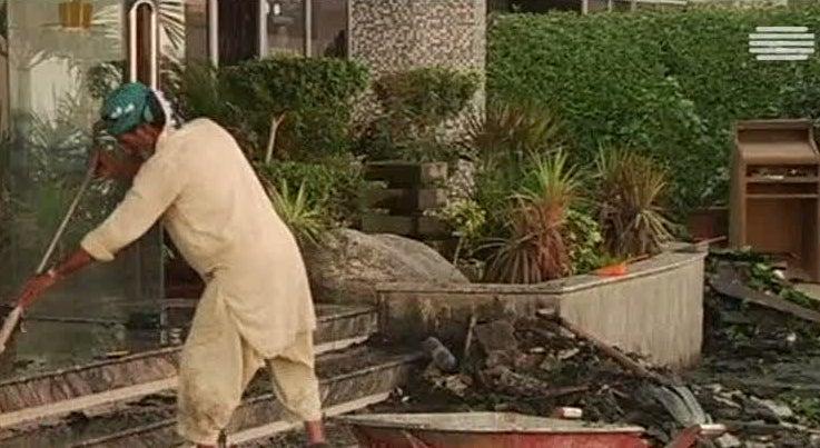 Mundo - Fogo num hotel do Paquistão fez 11 mortos e 75 feridos