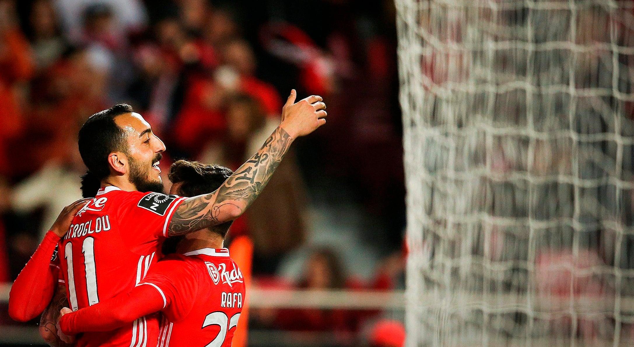 Benfica sai a ganhar para a festa do Natal