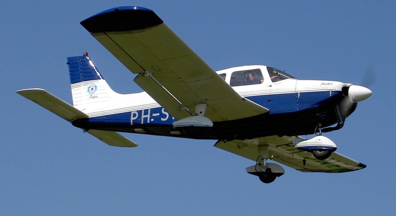 Avião cai na Suíça e faz três mortos, entre eles dois jovens