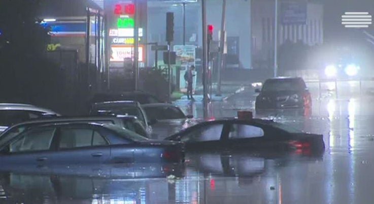 Mundo - Chuvas fortes provocaram inunda��es no estado de Massachussets