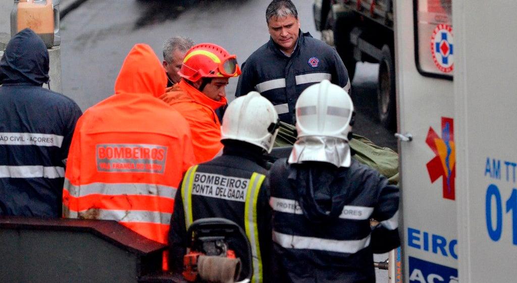 Pelo menos dois mortos e um desaparecido em derrocada nos Açores