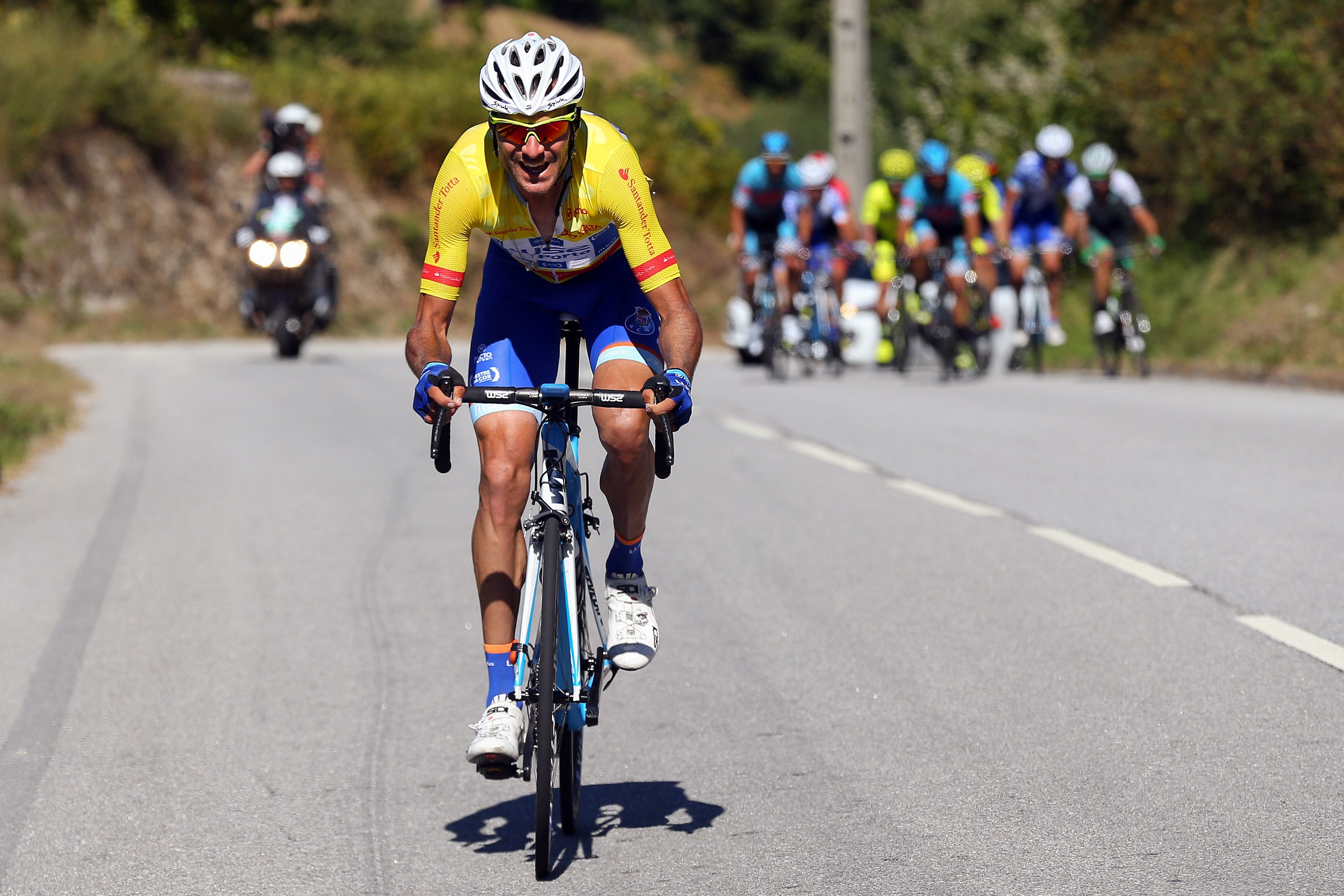 Raúl Alarcón segura a amarela na Volta a Portugal
